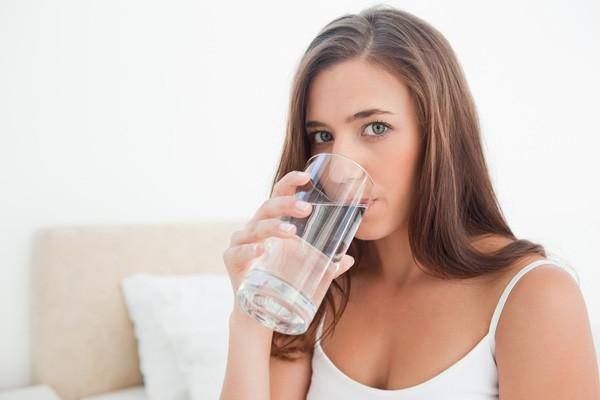 Nên uống loại nước này ngay sau khi thức dậy, dưới đây là lý do tại sao và uống bao nhiêu là đủ - ảnh 1