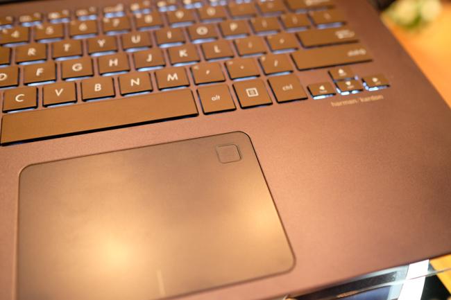 ASUS trình làng hàng loạt laptop mới tại Việt Nam, tập trung vào viền siêu mỏng và lượng pin cao - Ảnh 11.