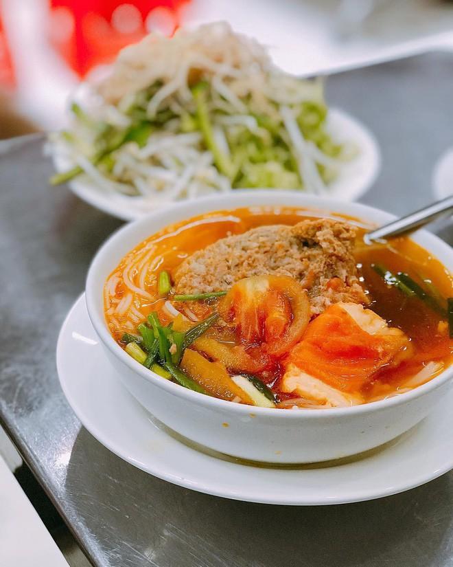 4 quán ăn bình dân vừa ngon, vừa dễ đụng người nổi tiếng ở Sài Gòn - Ảnh 11.