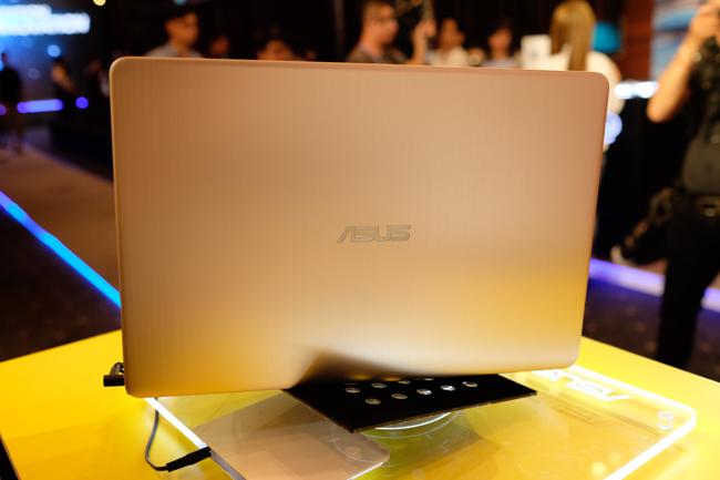 ASUS trình làng hàng loạt laptop mới tại Việt Nam, tập trung vào viền siêu mỏng và lượng pin cao - Ảnh 13.
