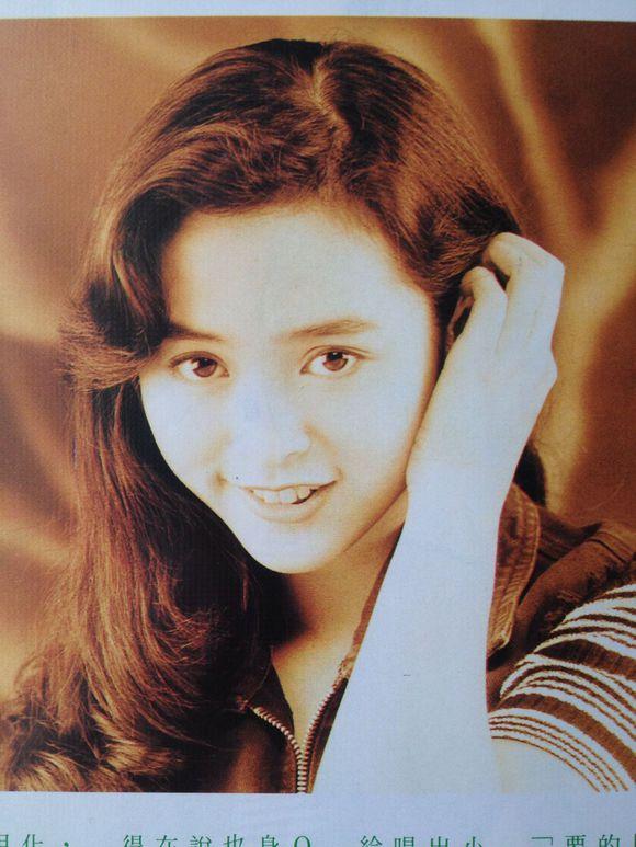 Nhan sắc của những mỹ nhân TVB thập niên 90: Chẳng cần photoshop vẫn đẹp đến nao lòng - Ảnh 18.