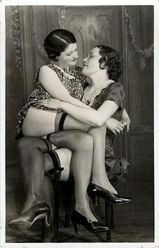 Những bức ảnh LGBT từ hàng trăm năm qua: Đồng tính chưa bao giờ là bệnh và thời nào cũng có cả - Ảnh 9.