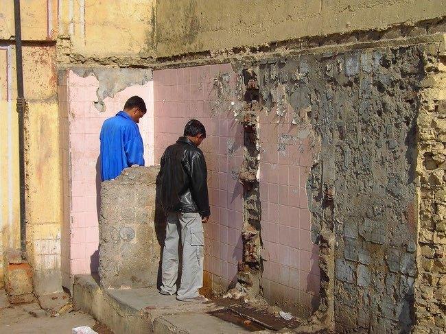 10 sự thật dị đến mức khó tin về chuyện sử dụng nhà vệ sinh trên thế giới - Ảnh 8.