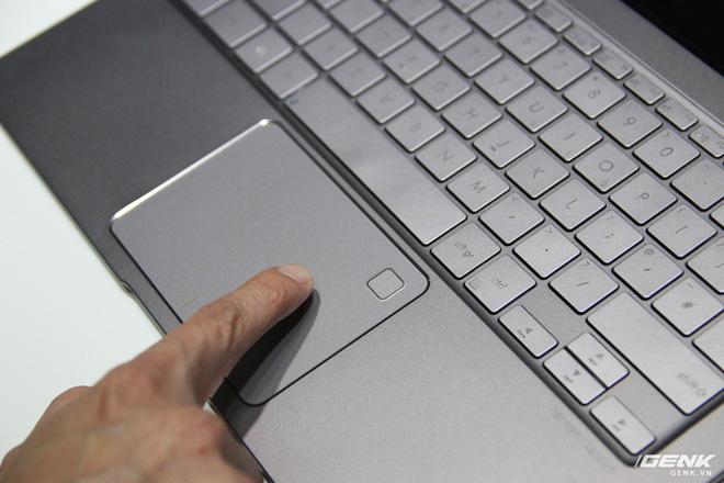 Trên tay loạt laptop mới ra mắt của Asus tại Computex 2017: ZenBook Flip S, ZenBook Pro, ZenBook 3 Deluxe, VivoBook Pro, VivoBook S - Ảnh 14.