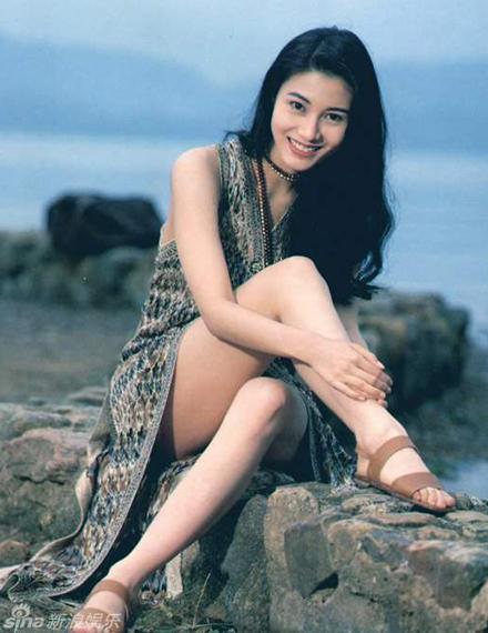 Nhan sắc của những mỹ nhân TVB thập niên 90: Chẳng cần photoshop vẫn đẹp đến nao lòng - Ảnh 22.