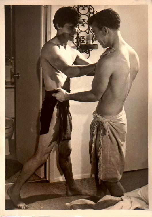 Những bức ảnh LGBT từ hàng trăm năm qua: Đồng tính chưa bao giờ là bệnh và thời nào cũng có cả - Ảnh 11.