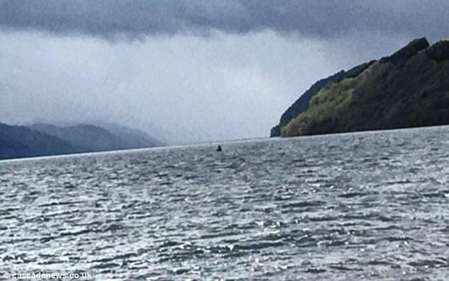 Hàng loạt hình ảnh xuất hiện trong năm 2016 củng cố niềm tin rằng quái vật hồ Loch Ness có thật! - ảnh 3