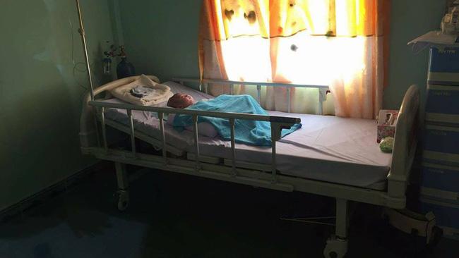 Hình ảnh và tình trạng hiện tại của bé bị não úng thủy Phạm Đức Lộc sau khi trở về từ Singapore - ảnh 3