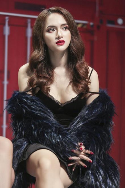 Nghệ sĩ Trung Dân bị Hương Giang Idol xúc phạm: Tôi xấu hổ, nhục nhã không dám nói cho ai nghe - Ảnh 2.