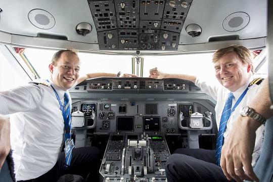 Vua Hà Lan bí mật lái máy bay chở khách suốt 21 năm - Ảnh 3.