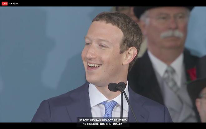 Mark Zuckerberg biểu diễn tính năng chuyển giọng nói thành văn bản để livestream diễn văn Tốt nghiệp, kết quả thì ôi thôi thảm họa không tin được - Ảnh 3.