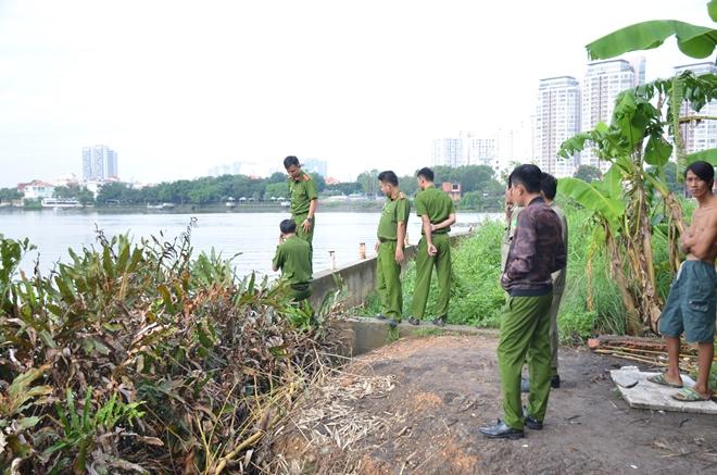 Hoảng hốt khi phát hiện thi thể nam giới tấp vào mé sông - Ảnh 2.