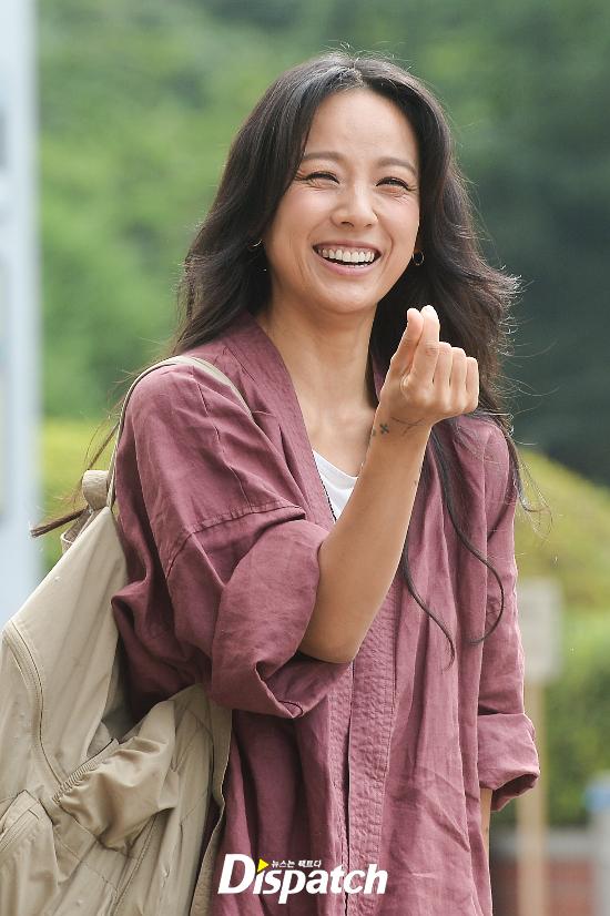 Đẳng cấp nhan sắc của Lee Hyori: Mặc đồ nhăn nhúm vẫn đẹp như nàng tiên - Ảnh 4.