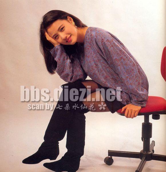 Nhan sắc của những mỹ nhân TVB thập niên 90: Chẳng cần photoshop vẫn đẹp đến nao lòng - Ảnh 25.