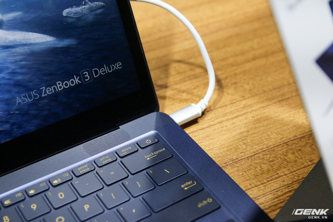 Trên tay loạt laptop mới ra mắt của Asus tại Computex 2017: ZenBook Flip S, ZenBook Pro, ZenBook 3 Deluxe, VivoBook Pro, VivoBook S - Ảnh 21.