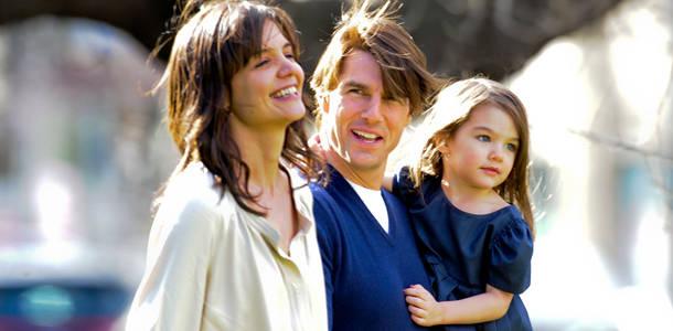 Suri Cruise và Harper Beckham: Hai cô bé nổi tiếng nhất thế giới có tuổi thơ trái ngược - Ảnh 29.
