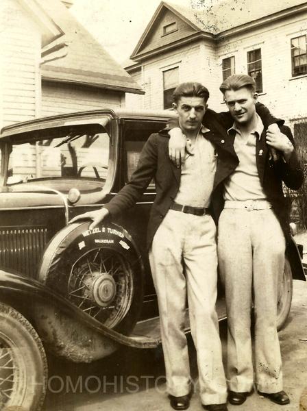 Những bức ảnh LGBT từ hàng trăm năm qua: Đồng tính chưa bao giờ là bệnh và thời nào cũng có cả - Ảnh 15.