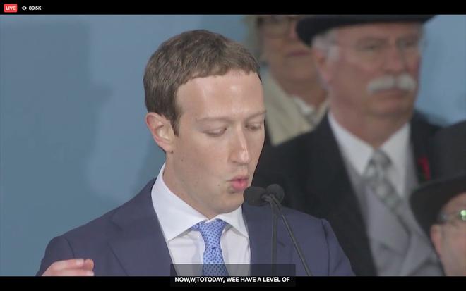 Mark Zuckerberg biểu diễn tính năng chuyển giọng nói thành văn bản để livestream diễn văn Tốt nghiệp, kết quả thì ôi thôi thảm họa không tin được - Ảnh 4.