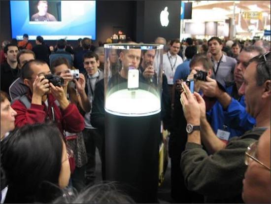Tròn 10 năm iPhone 2G bán ra: Cùng nhìn lại khoảnh khắc đầu tiên của chiếc điện thoại kinh điển này nhé! - Ảnh 10.