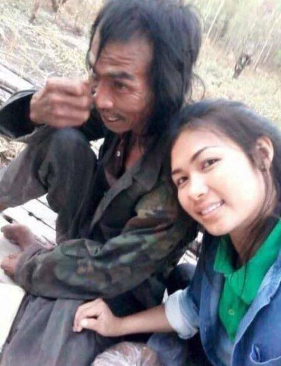Đăng ảnh chụp cùng người cha mắc bệnh tâm thần, cô gái xinh đẹp châm ngòi cho cuộc khẩu chiến trên mạng xã hội - Ảnh 4.