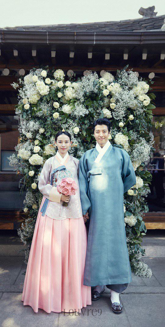 Jo Yoon Hee khoe ảnh bụng bầu bên chồng Lee Dong Gun: Thoát mác con ghẻ quốc dân vì quá hạnh phúc! - Ảnh 6.