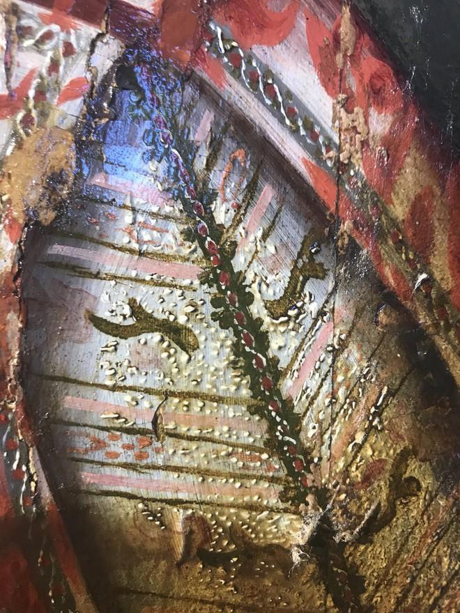 Khám phá bí ẩn của bức tranh cổ chỉ được hiện ra khi tẩy lớp màu trên cùng - ảnh 4
