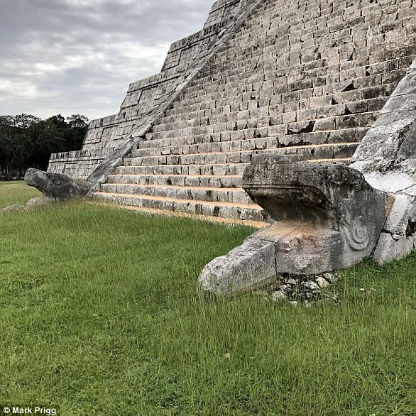 Khám phá bí mật thần Rắn trong hang nước ngầm bên dưới kim tự tháp Maya - Ảnh 4.