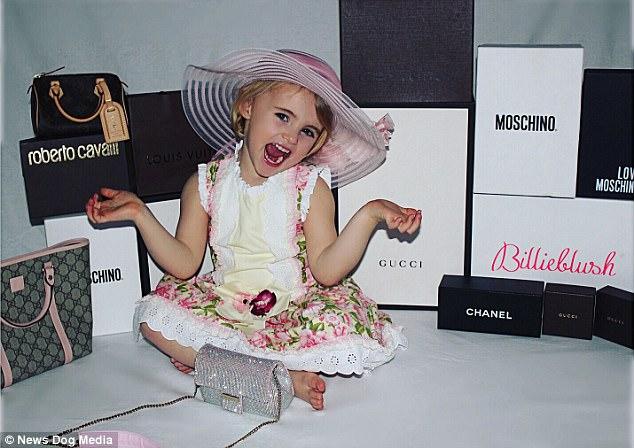 Mẹ trẻ chi bạo sắm đồ Louis Vuitton cho con gái diện gây tranh cãi - Ảnh 6.