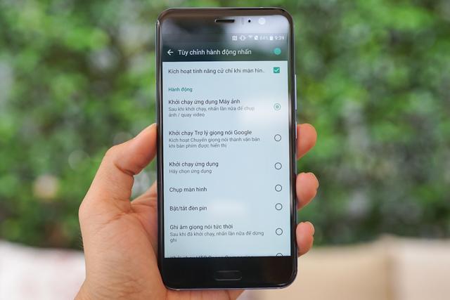Smartphone có tính năng bóp viền cảm ứng HTC U11 chính thức ra mắt tại thị trường Việt Nam, giá gần 17 triệu đồng - Ảnh 5.