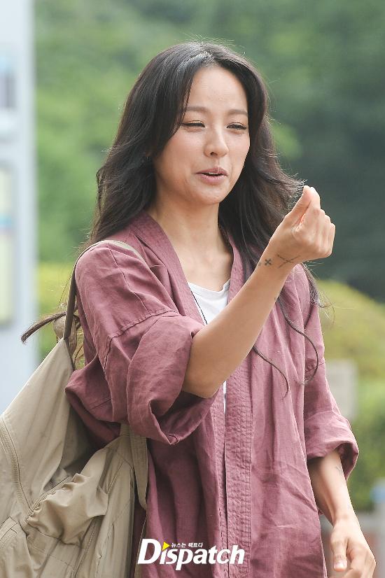 Đẳng cấp nhan sắc của Lee Hyori: Mặc đồ nhăn nhúm vẫn đẹp như nàng tiên - Ảnh 7.