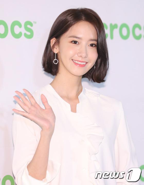 Lần đầu dự sự kiện sau khi xén mái tóc nữ thần, Yoona gây sốt vì vẫn quá đẹp với vẻ ngoài mới - Ảnh 5.