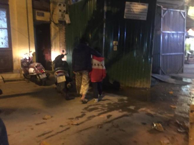 Hành trình chạy trốn khỏi ngục tù của bé trai 10 tuổi nghi bị bố và mẹ kế bạo hành ở Hà Nội - Ảnh 5.