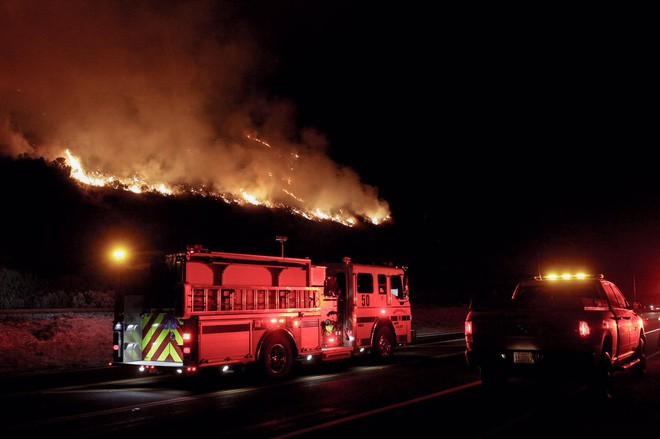 Mỹ: Cháy lớn tương đương diện tích 37.000 sân bóng đá khiến California như rơi vào ngày tận thế - Ảnh 5.