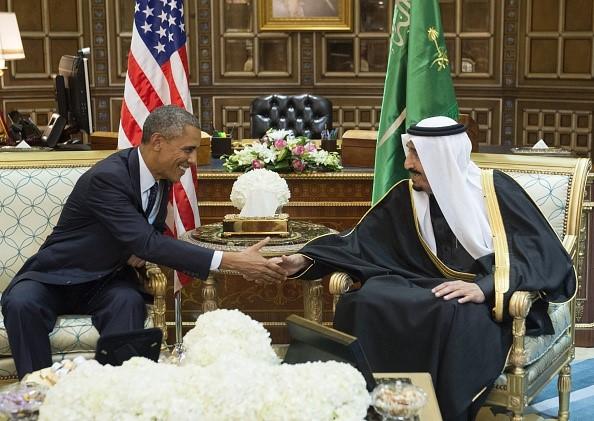 Cuộc sống xa hoa của quốc vương Saudi Arabia tại quê nhà - Ảnh 6.