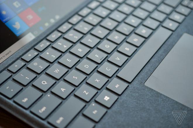 Surface Pro mới chính thức ra mắt: không còn đánh số, pin 13,5 giờ, LTE, giá từ 799 USD, thêm 800 linh kiện mới, không tặng bút - Ảnh 6.