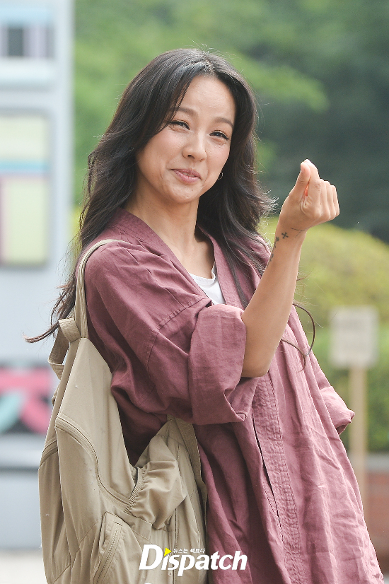Đẳng cấp nhan sắc của Lee Hyori: Mặc đồ nhăn nhúm vẫn đẹp như nàng tiên - Ảnh 8.
