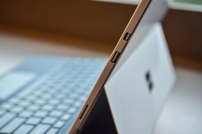 Surface Pro mới chính thức ra mắt: không còn đánh số, pin 13,5 giờ, LTE, giá từ 799 USD, thêm 800 linh kiện mới, không tặng bút - Ảnh 7.