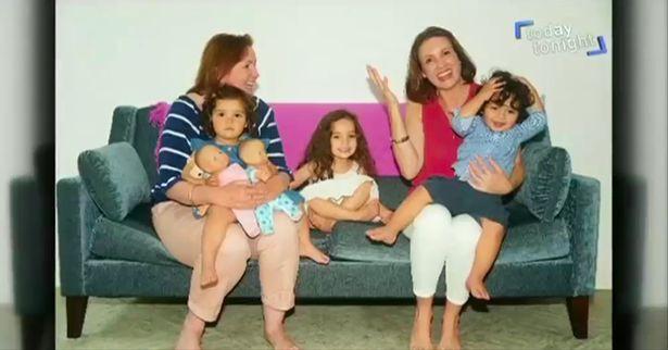 Người phụ nữ tốn núi tiền thụ tinh trong ống nghiệm đã tạo ra gia đình độc nhất vô nhị của thế giới - ảnh 7
