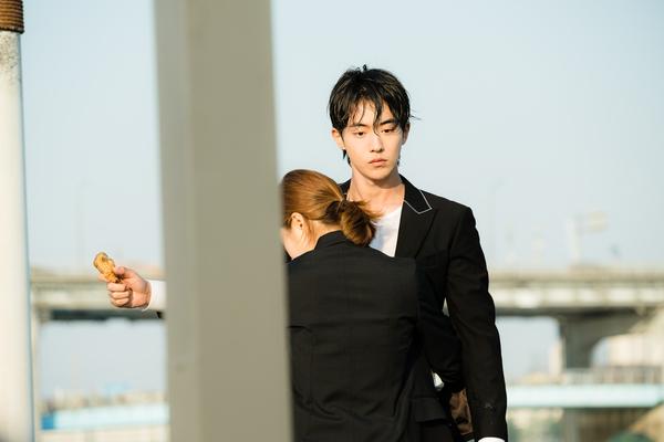 """Nam Joo Hyuk: Diễn xuất tụt dốc vì thiếu """"gấu nhà"""" Lee Sung Kyung? - Ảnh 13."""