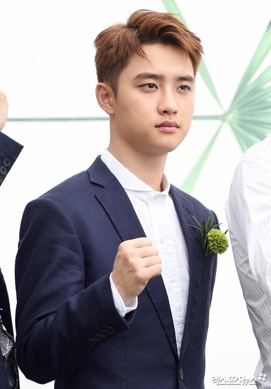 EXO trở lại: Có đẹp tựa hoàng tử giống fan xuýt xoa hay vừa sến vừa xuống sắc? - Ảnh 8.