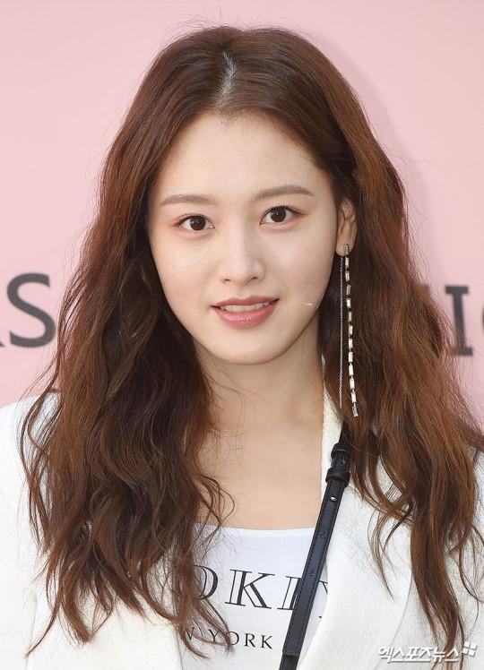 Sao Hàn: Từng bị chê kém sắc, ai ngờ Hyoyeon (SNSD) giờ đây lại trở thành tâm điểm sự kiện vì quá sang chảnh