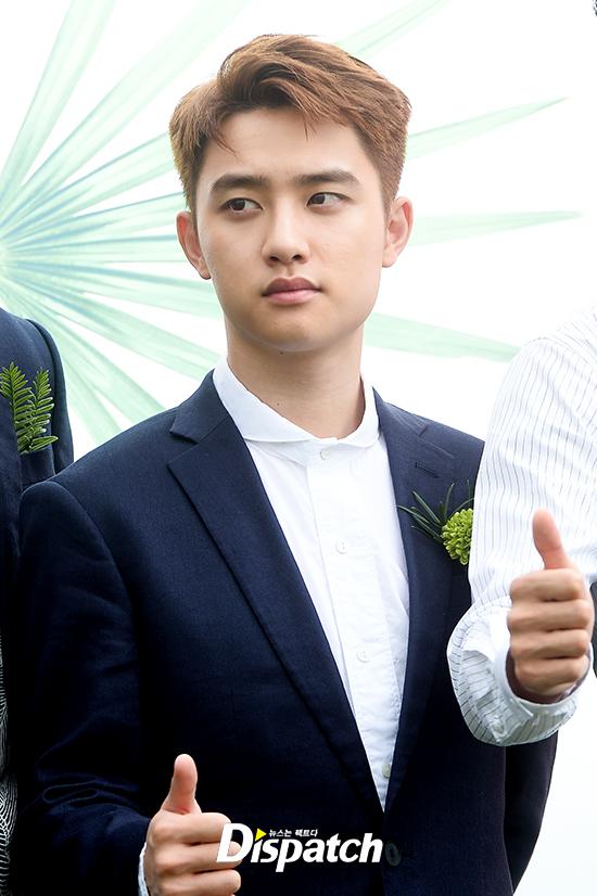 EXO trở lại: Có đẹp tựa hoàng tử giống fan xuýt xoa hay vừa sến vừa xuống sắc? - Ảnh 9.