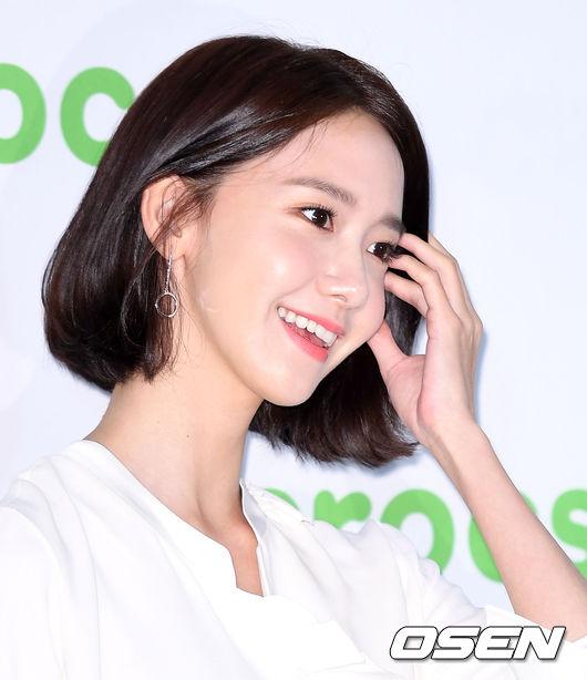 Lần đầu dự sự kiện sau khi xén mái tóc nữ thần, Yoona gây sốt vì vẫn quá đẹp với vẻ ngoài mới - Ảnh 10.