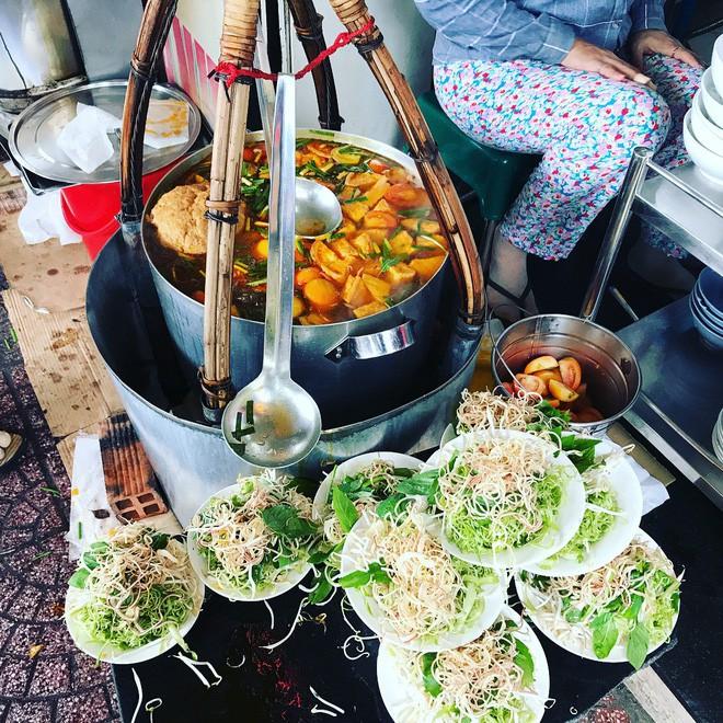4 quán ăn bình dân vừa ngon, vừa dễ đụng người nổi tiếng ở Sài Gòn - Ảnh 10.