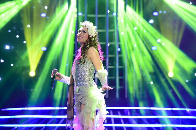 Top 4 The Voice lộ diện, Minh Tú lại ghi điểm tại Next Top châu Á - Ảnh 9.