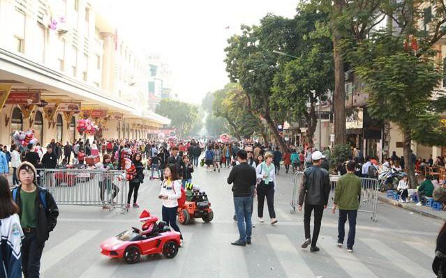 Dự báo thời tiết Tết Dương lịch 2018: Hà Nội hết mưa , TP.HCM nắng đẹp đón người dân xuống phố