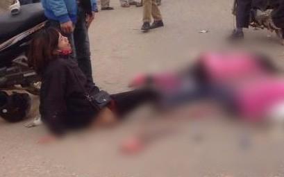 Thái Nguyên: Mẹ ngồi giữa đường gào khóc bên thi thể hai con gái bị cán tử vong ngày cuối năm