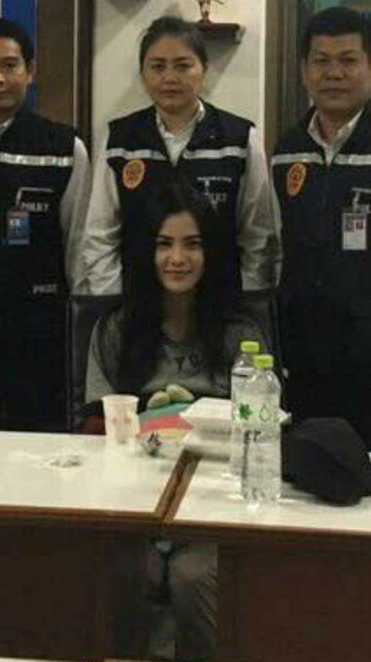 Nụ cười lạnh người và màn trang điểm khó hiểu của 3 nữ nghi phạm vụ giết người gây rúng động Thái Lan 4