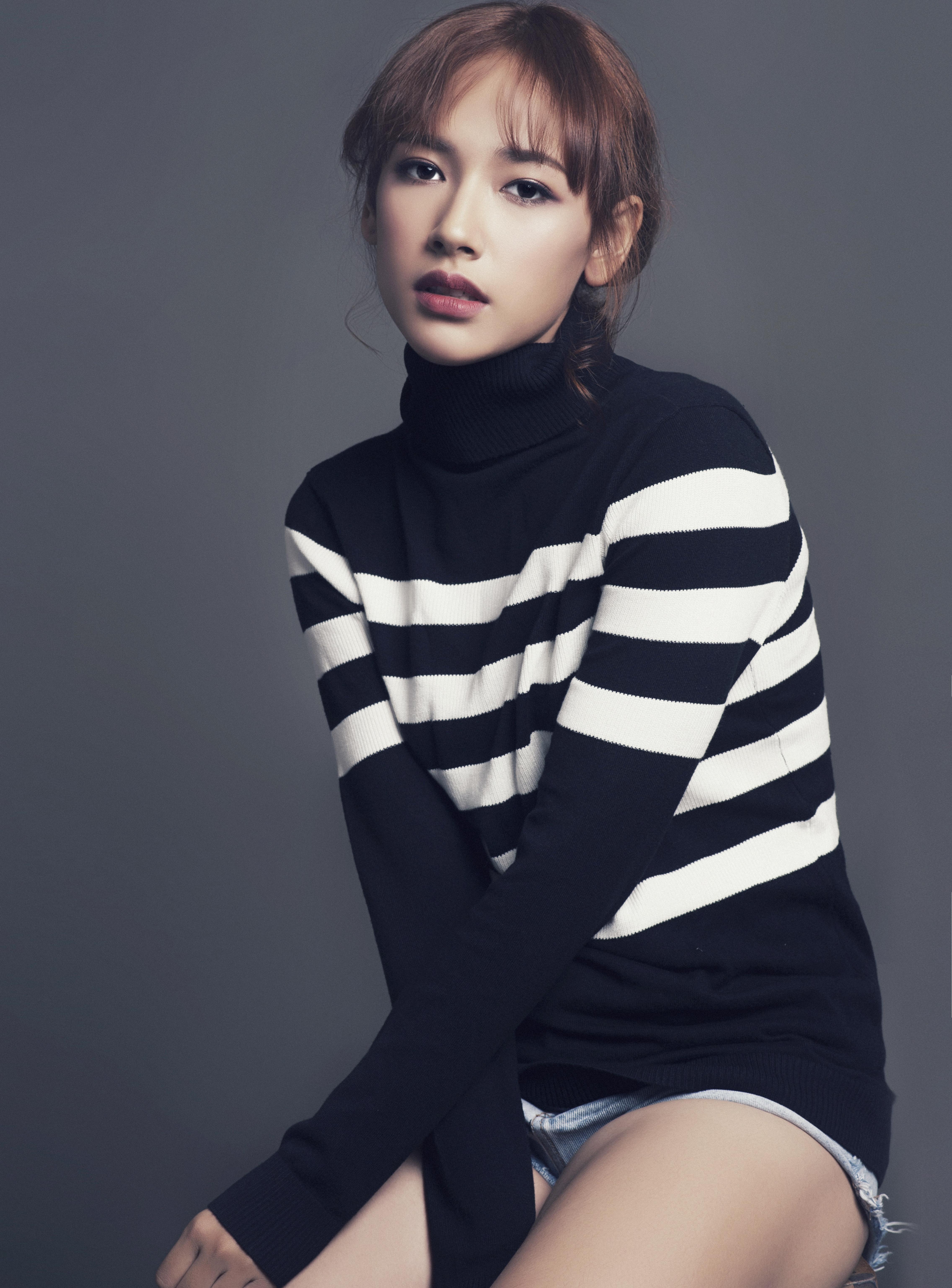 MV mới chưa ra mắt, nhưng nữ chính đóng cùng Sơn Tùng M-TP đã gây sốt vì quá xinh!