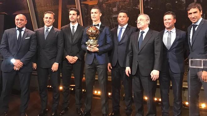 Tỷ số năm 2012 là 4-1 và tưởng chừng Ronaldo không bao giờ đuổi kịp Messi - ảnh 1